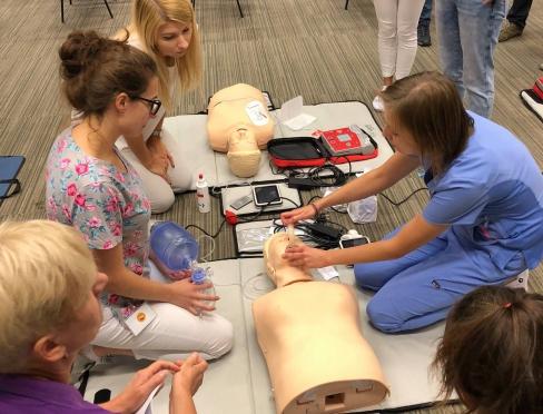 Dla studentów wakacje, dla pracowników Centrum i Szpitala Uniwersyteckiego - czas intensywnych przygotowań i szkoleń.